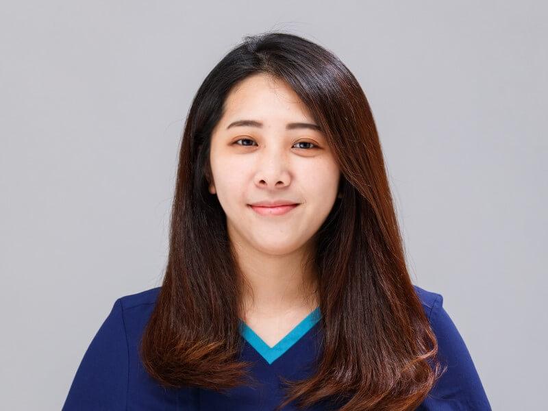 劉佳靜牙技師